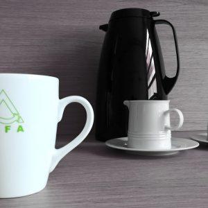 INFA Tassen mit Logo + Mitarbeiternamen